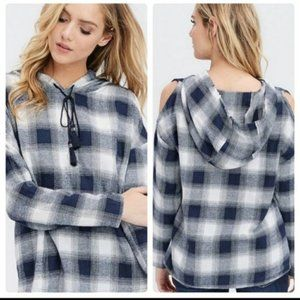 ⚘Navy Plaid Hooded Peep Shoulder Top By Crescent